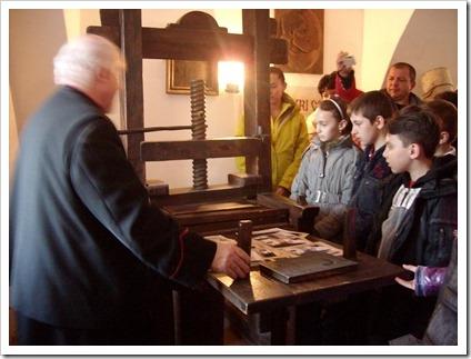 Prima scoala romaneasca din Scheii Brasovului (9)